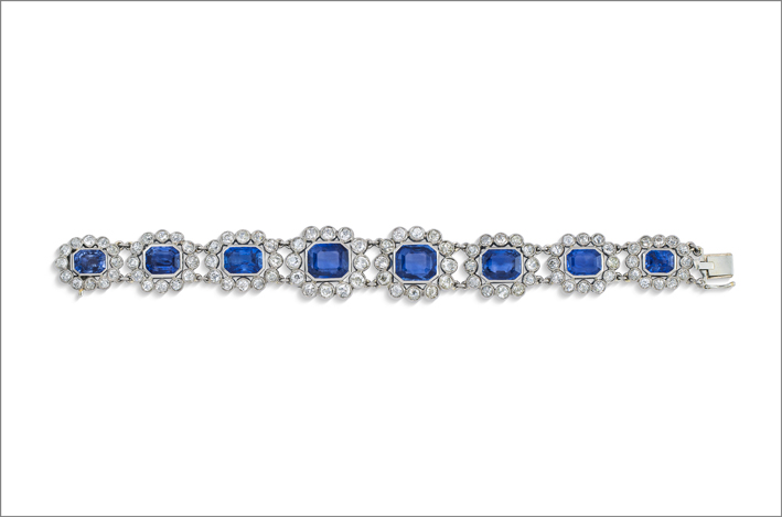 Bracelet, octagonal step-cut sapphires, old-cut diamonds, gold, circa 1800. Photo: courtesy Christie's