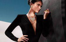 Graff, modella con collana composta da 374 diamanti bianchi e gialli