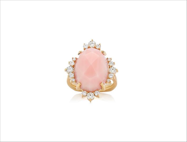 Anello in oro, diamanti e opale rosa