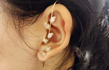 Ear Wrap Crawler Hook earring di Jolly Chic