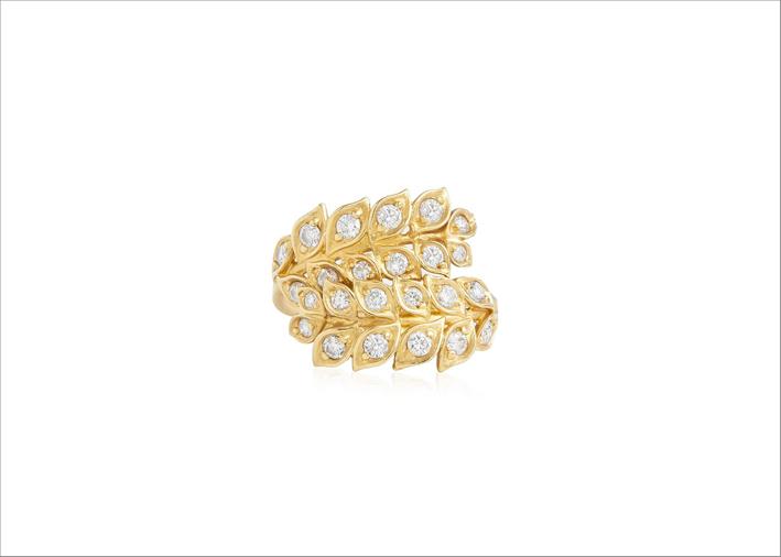 Anello in oro giallo e diamanti bianchi