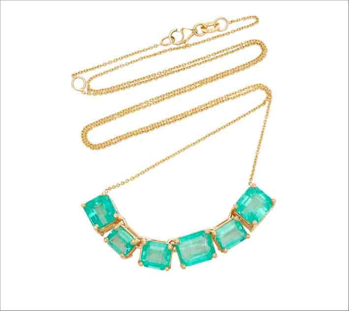 Collana in oro giallo 18 carati con smeraldi