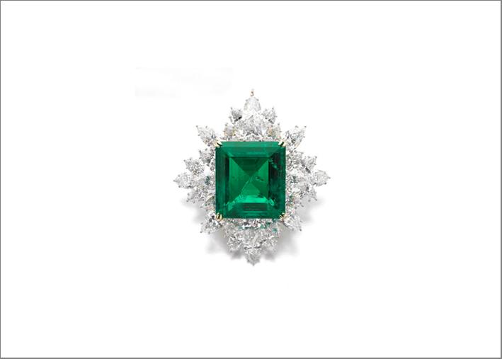 Harry Winston, spilla-pendente con smeraldo e diamanti