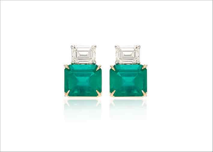 Orecchini con smeraldi e diamanti su oro bianco 18 carati