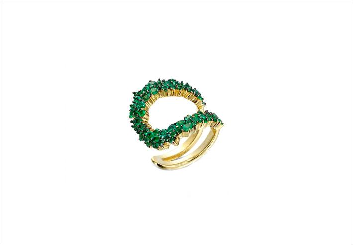 Anello in oro con smeraldi