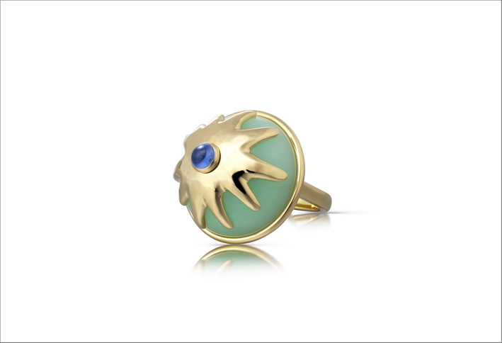 Green Pudding Ring, con opale verde e zaffiro blu
