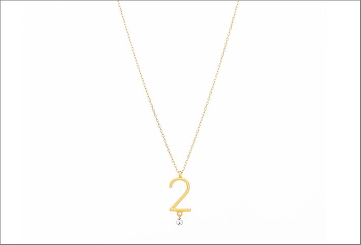 Sautoir con il numero 2, oro e diamante