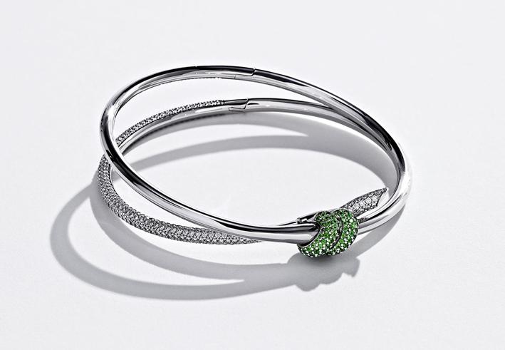 Tiffany x Arsham Studio Knot bracelet in 18k white gold with tsavorites and diamonds. Toby McFarlan Pond for Tiffany & Co